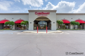 CubeSmart Self Storage - Greenville - 2422 Laurens Rd