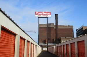 CubeSmart Self Storage - Philadelphia - 456 North Christopher Columbus Boulevard Facility at  456 North Christopher Columbus Boulevard, Philadelphia, PA