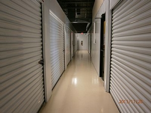 Solo Storage - Howard Street - Photo 2