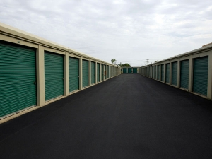 Image of Extra Space Storage - South Holland - W 162nd St Facility on 175 West 162nd Street  in South Holland, IL - View 2