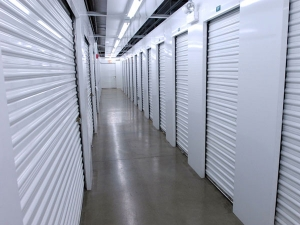 Image of Extra Space Storage - South Holland - W 162nd St Facility on 175 West 162nd Street  in South Holland, IL - View 3