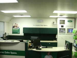 Image of Extra Space Storage - South Holland - W 162nd St Facility on 175 West 162nd Street  in South Holland, IL - View 4