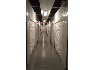 Image of Extra Space Storage - Chicago - West Harrison Facility on 707 West Harrison Street  in Chicago, IL - View 3