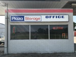 Plaza Storage