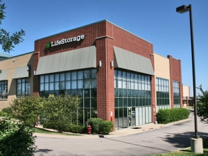Life Storage - Carpentersville - Randall Road