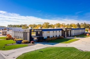 Image of Life Storage - Addison Facility at 426 South Westgate Street  Addison, IL