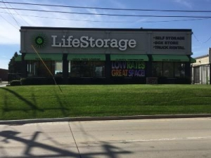 Life Storage - South Chicago Heights - Holeman Avenue