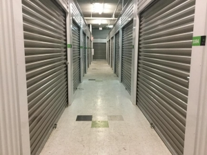 Image of Life Storage - Chicago - West 30th Street Facility on 3245 West 30th Street  in Chicago, IL - View 3