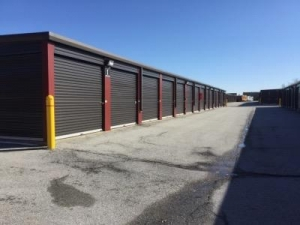 Life Storage - Mokena - Photo 5
