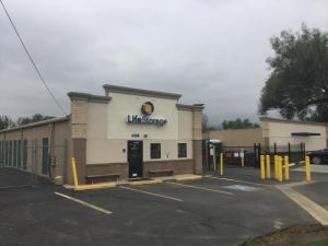 Life Storage - Boulder - 6338 Arapahoe Avenue Facility at  6338 Arapahoe Avenue, Boulder, CO