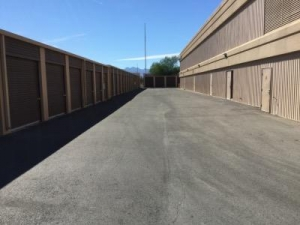 Life Storage - North Las Vegas - Berg Street - Photo 2