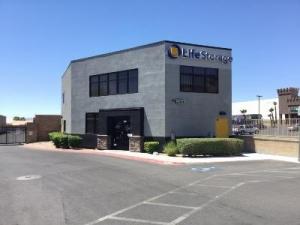 Life Storage - Las Vegas - West Flamingo Road