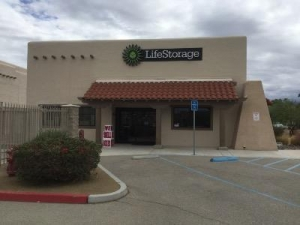 Life Storage - Palm Desert - Harris Lane