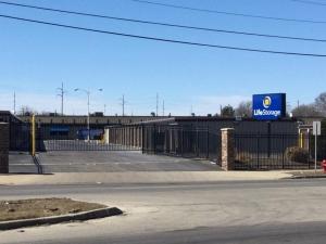 Life Storage - Milwaukee - North Green Bay Avenue