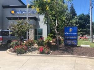 Life Storage - Sacramento - Folsom Boulevard