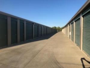 Life Storage - Sacramento - Goldenland Court - Photo 3