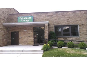Extra Space Storage - Evanston - Greenwood St - Photo 1