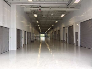 Image of Extra Space Storage - Des Plaines - Mannheim Rd Facility on 2074 Mannheim Road  in Des Plaines, IL - View 3