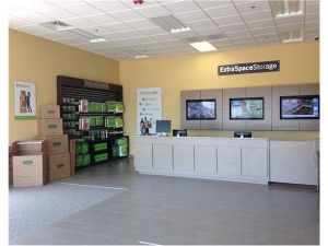 Image of Extra Space Storage - Des Plaines - Mannheim Rd Facility on 2074 Mannheim Road  in Des Plaines, IL - View 4