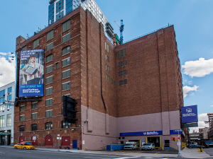 Manhattan Mini Storage - Hudson Yards - West 29th Street - Photo 1