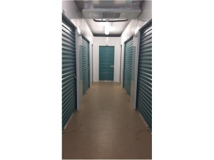 Extra Space Storage - Palm Springs - Congress Ave - Photo 2