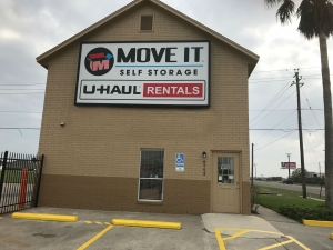 Move It Self Storage - Weber Road