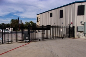 US Storage Centers - Austin - 201 West Stassney Lane - Photo 7