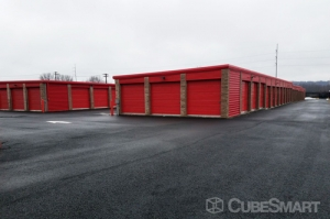 CubeSmart Self Storage - North Haven - Photo 10