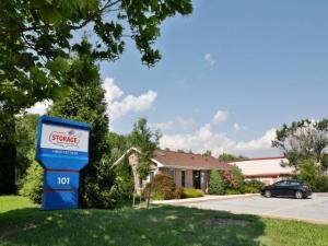 Storage Rentals of America - Newark - 101 Executive Drive Facility at  101 Executive Drive, Newark, DE