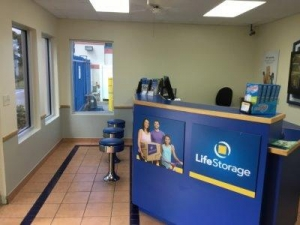 Life Storage - St. Petersburg - 94th Avenue North - Photo 2