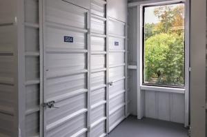 US Storage Centers - Hawthorne - 130 Brady Avenue