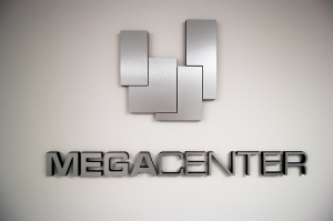 Megacenter Hallandale - Photo 4