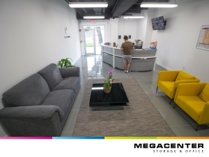 Megacenter Hallandale - Photo 7