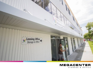 Megacenter Hallandale - Photo 3