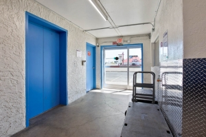 US Storage Centers - Phoenix - 2563 West Indian School Road - Photo 6