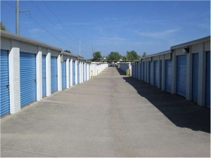 Image of Extra Space Storage - Coppell - Denton Tap Rd Facility on 810 South Denton Tap Road  in Coppell, TX - View 2