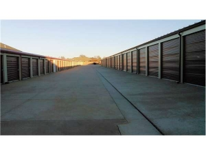 Image of Extra Space Storage - Oklahoma City - May Ave Facility on 15200 North May Avenue  in Edmond, OK - View 2