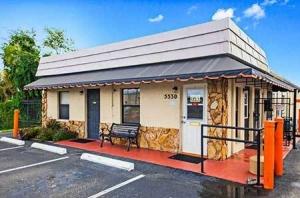 StorQuest - Sarasota/Pinkney