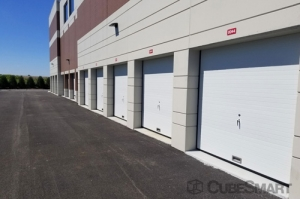 CubeSmart Self Storage - Riverwoods - Photo 6