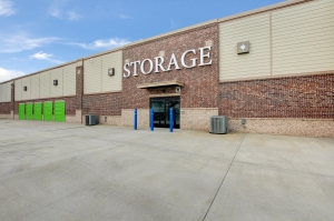 Space Shop Self Storage - Acworth