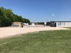 Simple Self Storage - Waco - 2172 East Loop 340 - Photo 16