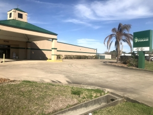 Great Value Storage - Texas City, Lowry Facility at  9010 Emmett F Lowry Expy, Texas City, TX
