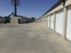 Image of Life Storage - Lancaster Facility on 2103 W Avenue J  in Lancaster, CA - View 3