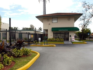 Extra Space Storage - Miami - SW 135th Ave