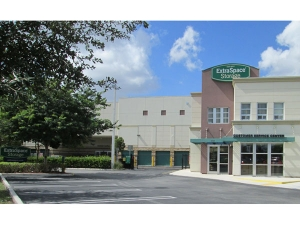 Extra Space Storage - Hialeah - E 65th Street