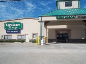 Extra Space Storage - Houston - Ryewater Dr