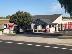 iStorage Rancho Cordova - Photo 1