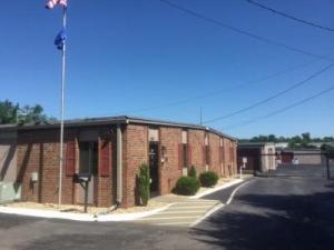 Life Storage - Hendersonville - West Main Street