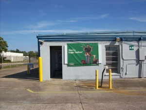 Extra Space Storage - Clute - Brazos Park Dr - Photo 7
