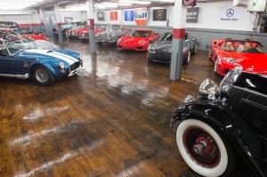 Black Horse Garage   Auto Storage
